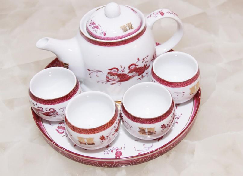 精美的茶具.jpg